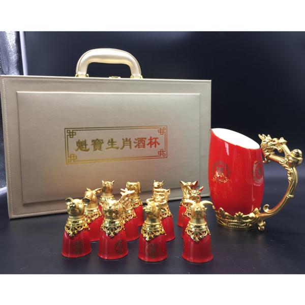 骨质瓷工艺品 红瓷十二生肖酒杯骨质瓷+锌合金